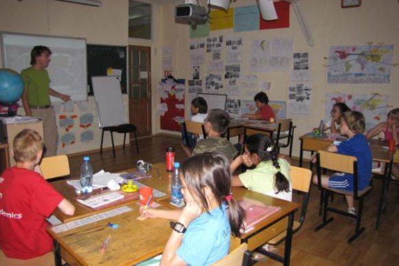 Yogo, tour du monde des écoles